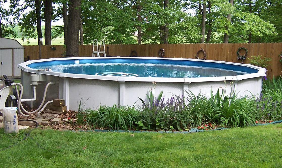Above ground oval pool selection and installation tips for for Above ground pool setup ideas
