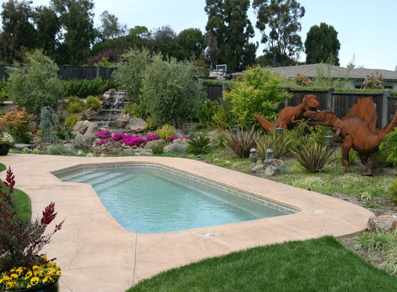 Simple backyard landscape with pool for Simple backyard pools