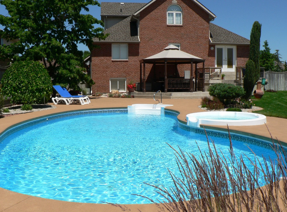 Backyard pool landscaping ideas pictures pool design ideas for Pool landscaping pictures