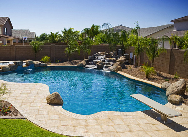 Backyard pool landscaping pictures pool design ideas for Simple backyard pools