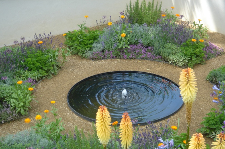 Diy pond fountain pool design ideas for Pond with fountain