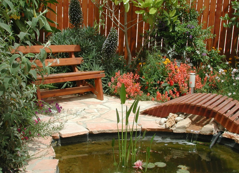 Fish pond landscaping ideas pool design ideas for Fish pond landscape ideas