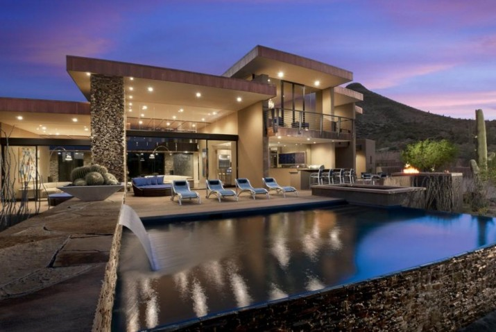 Luxury Pools With Waterfalls