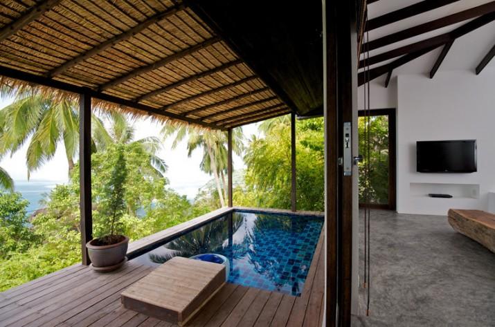 Modern Pool Deck Design