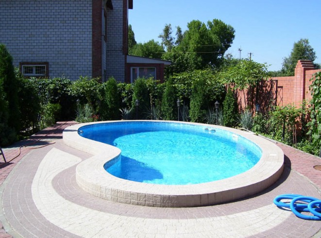 Pictures of Small Swimming Pools