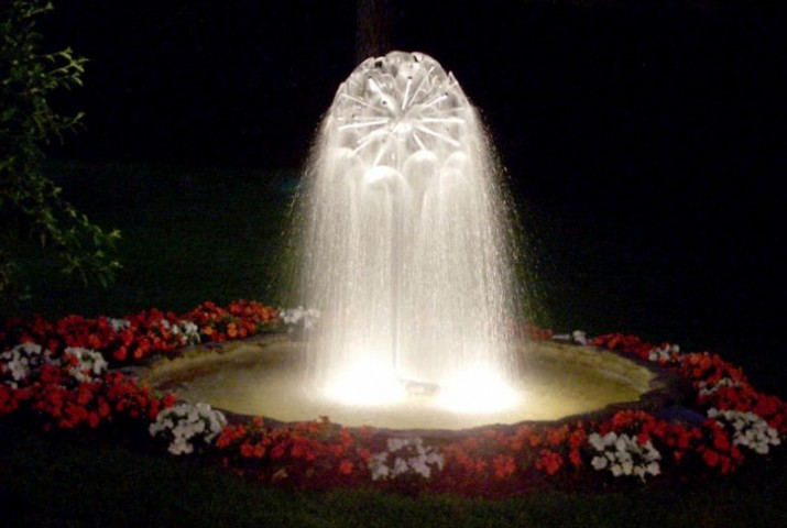 Pond Fountain Pumps With Lights