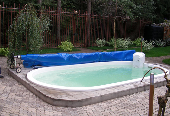 Pool ideas for small backyard pool design ideas for Pool design ideas for small backyards