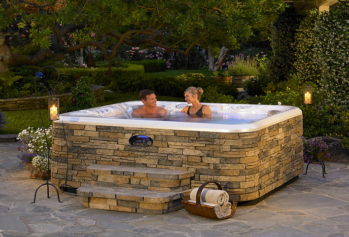 Above ground hot tub landscaping pool design ideas for Pool design with hot tub