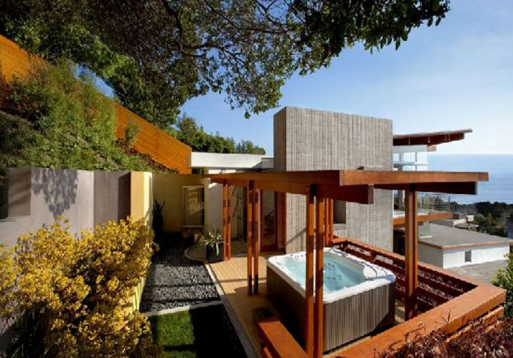 Backyard Jacuzzi Pictures