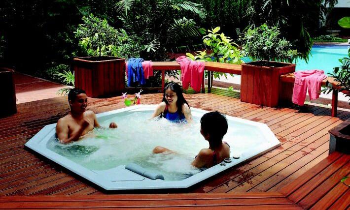 Backyard Spa Design Ideas