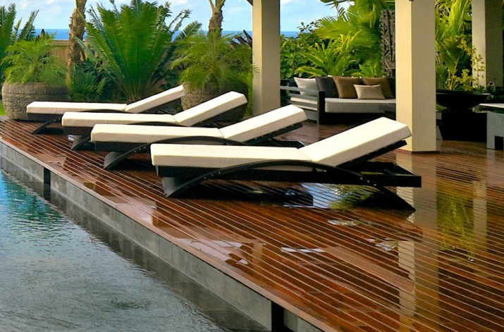 contemporary pool furniture