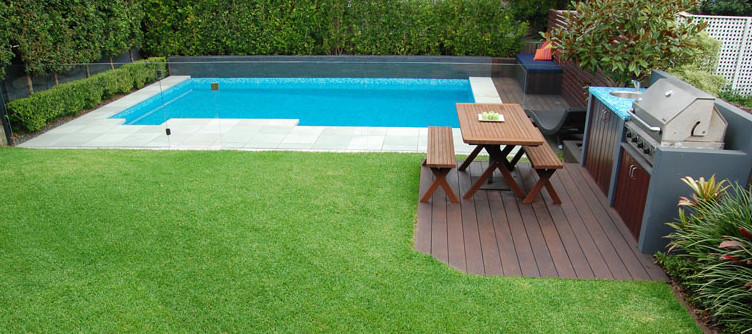 Inground pool in small backyard pool design ideas for Garden mini pool