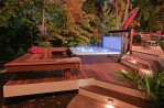 Outdoor Hot Tub Decorating Ideas