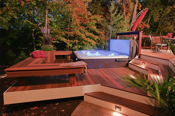 Outdoor Hot Tub Decorating Ideas