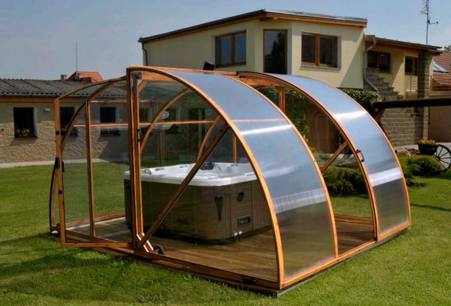 Outdoor Hot Tub Enclosure Ideas