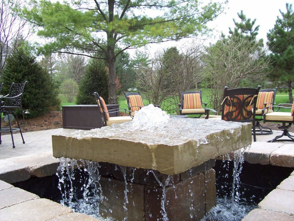Pictures of outdoor water fountains pool design ideas for Water fountain designs garden