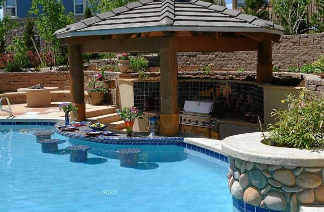 Pool bar design ideas pool design ideas for Outdoor pool decorating ideas
