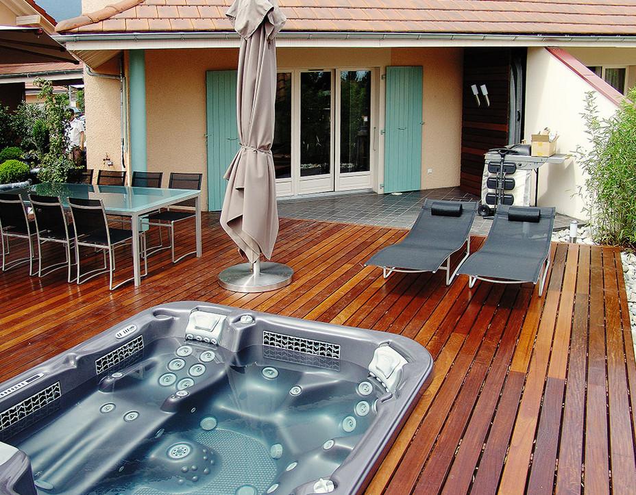 Portable Outdoor Hot Tub