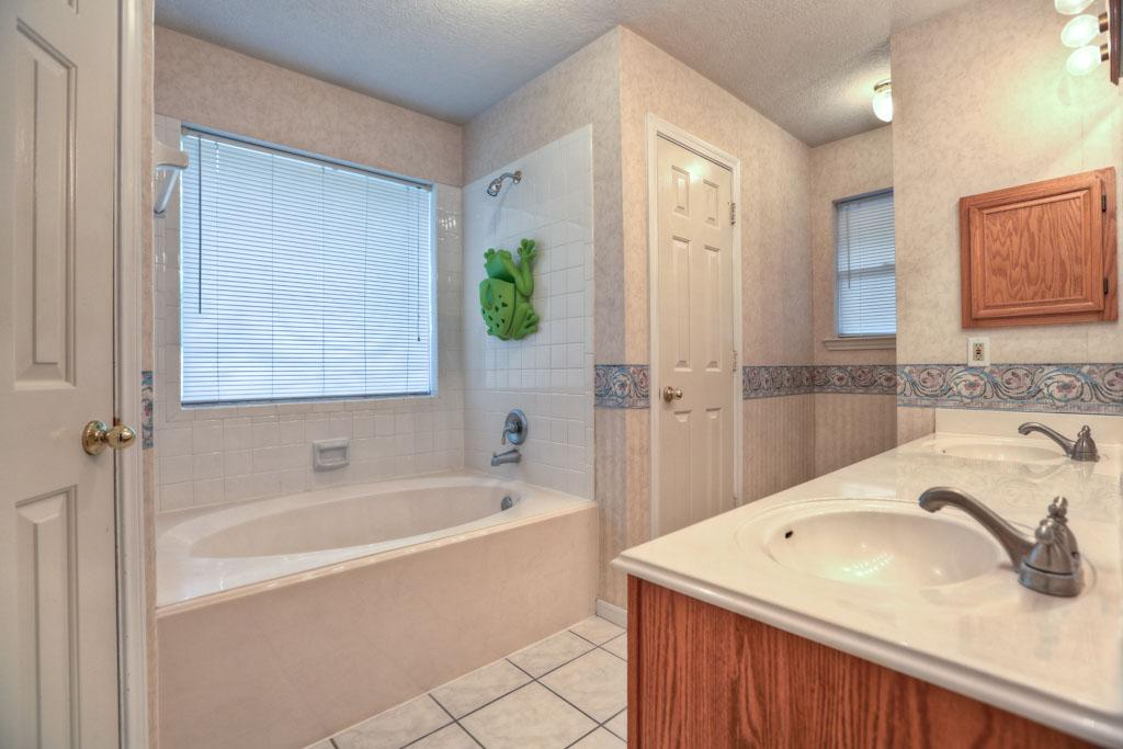 Bathtub Shower Combo Design Ideas