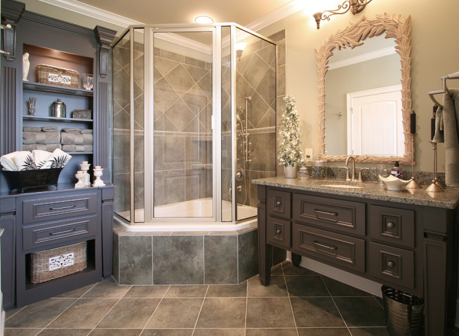 Corner Tub with Shower Combo