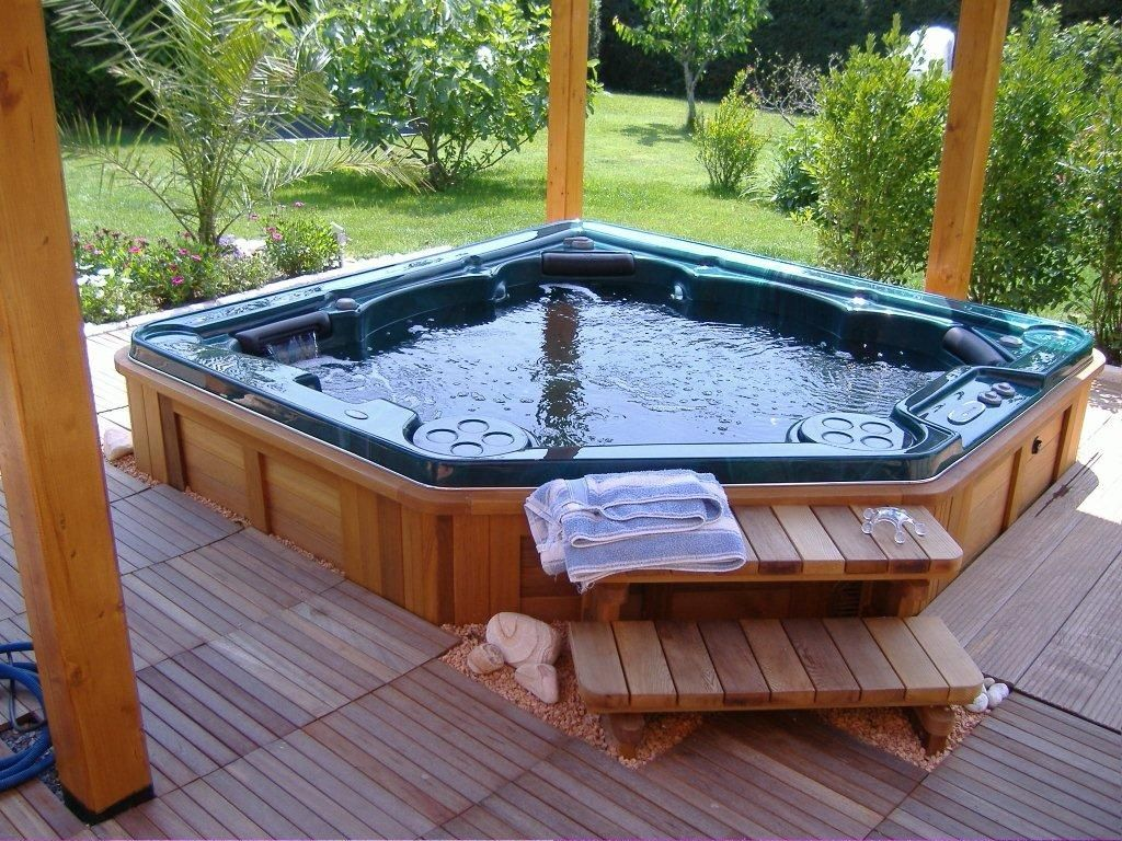 outdoor jacuzzi hot tubs and what you should know about. Black Bedroom Furniture Sets. Home Design Ideas
